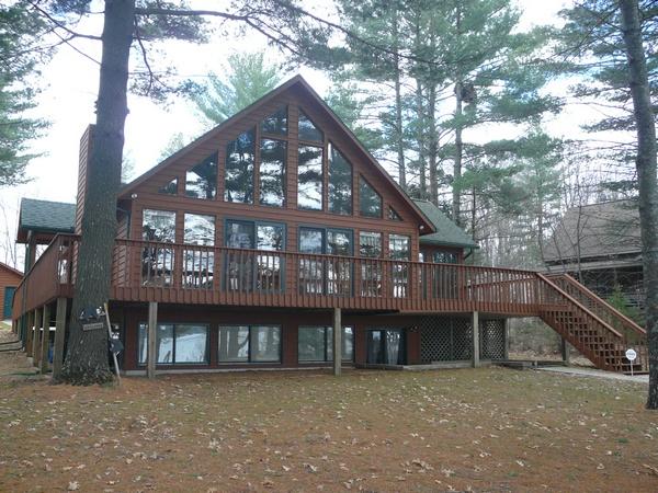 887382 Devils Lake $479,000