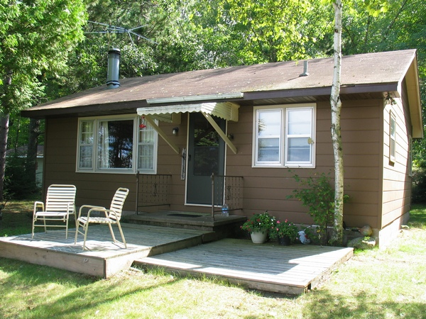 890563 Middle McKenzie Lake $197,000