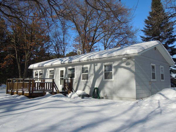 Clam Lake - 2 bedrooms,  central air, garage and huge level yard